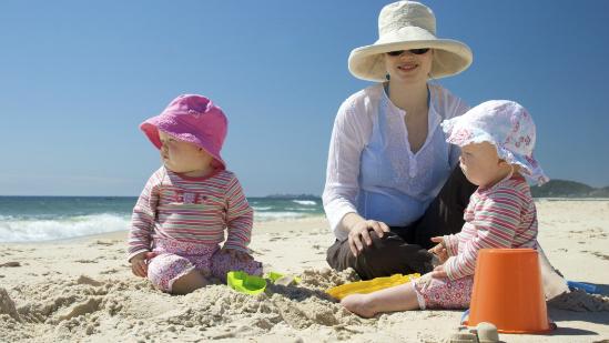 Jak skutecznie chronić skórę dziecka przed promieniowaniem UV